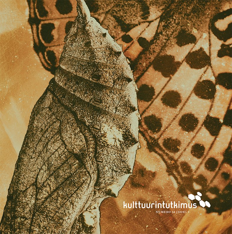 Lehden kansi, jossa yksityiskohta perhosesta
